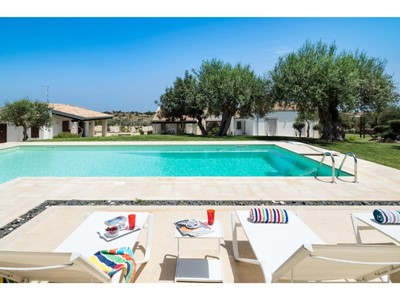 Traditional Sicily villa with private pool