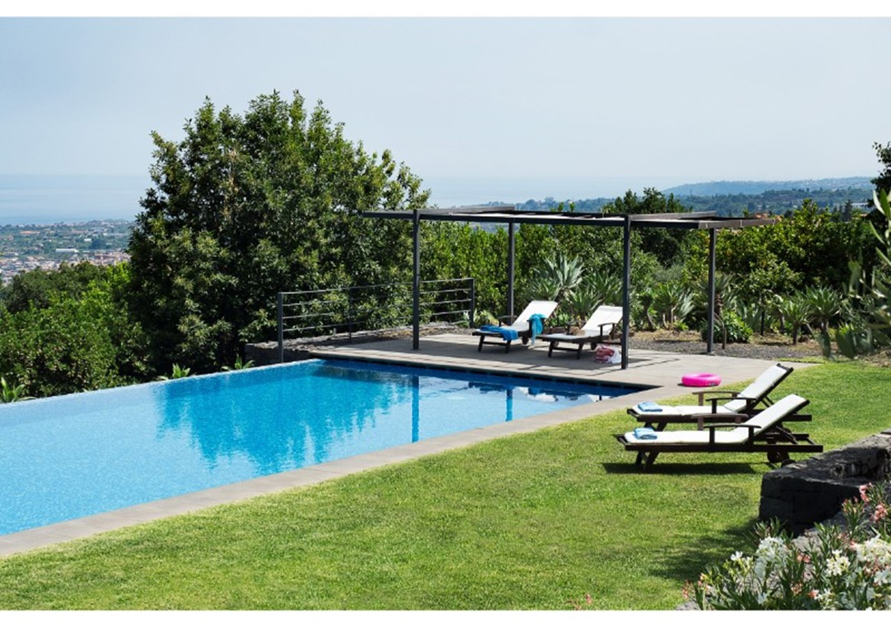 Charming villa in Sicily with private pool with excellent sea views