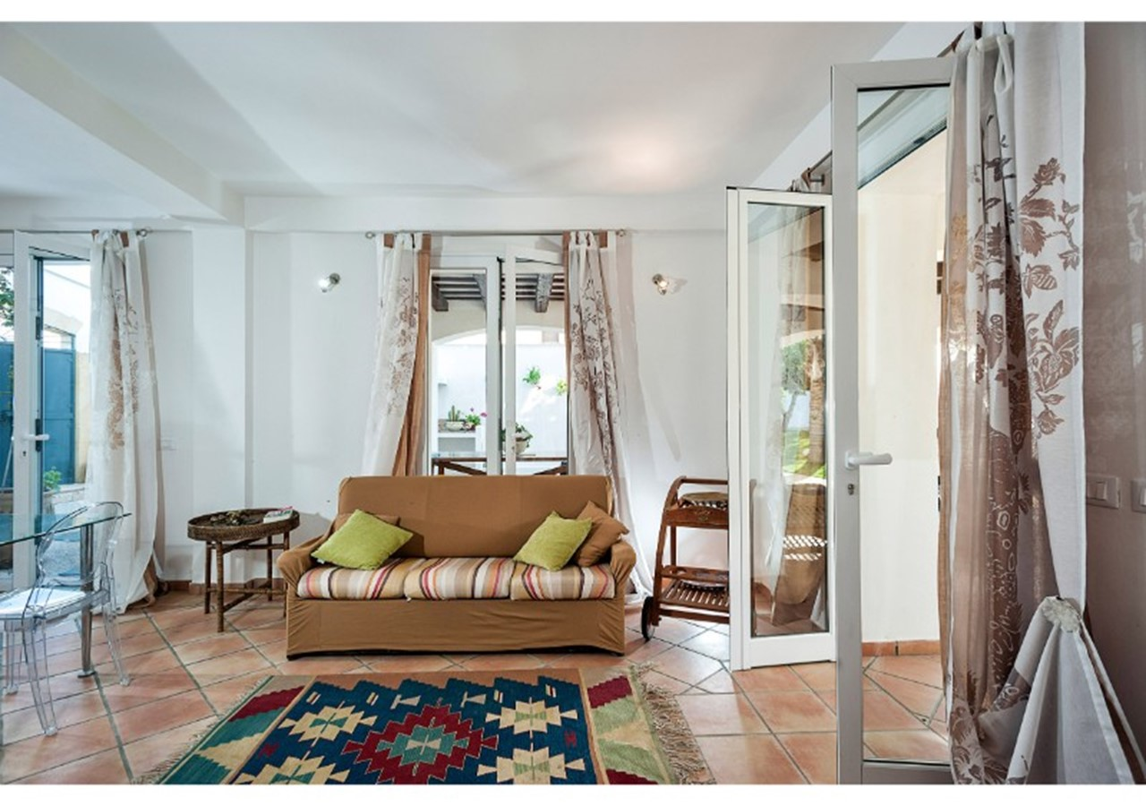apartment with swimming pool & within walking distance of the beach in north west Sicily