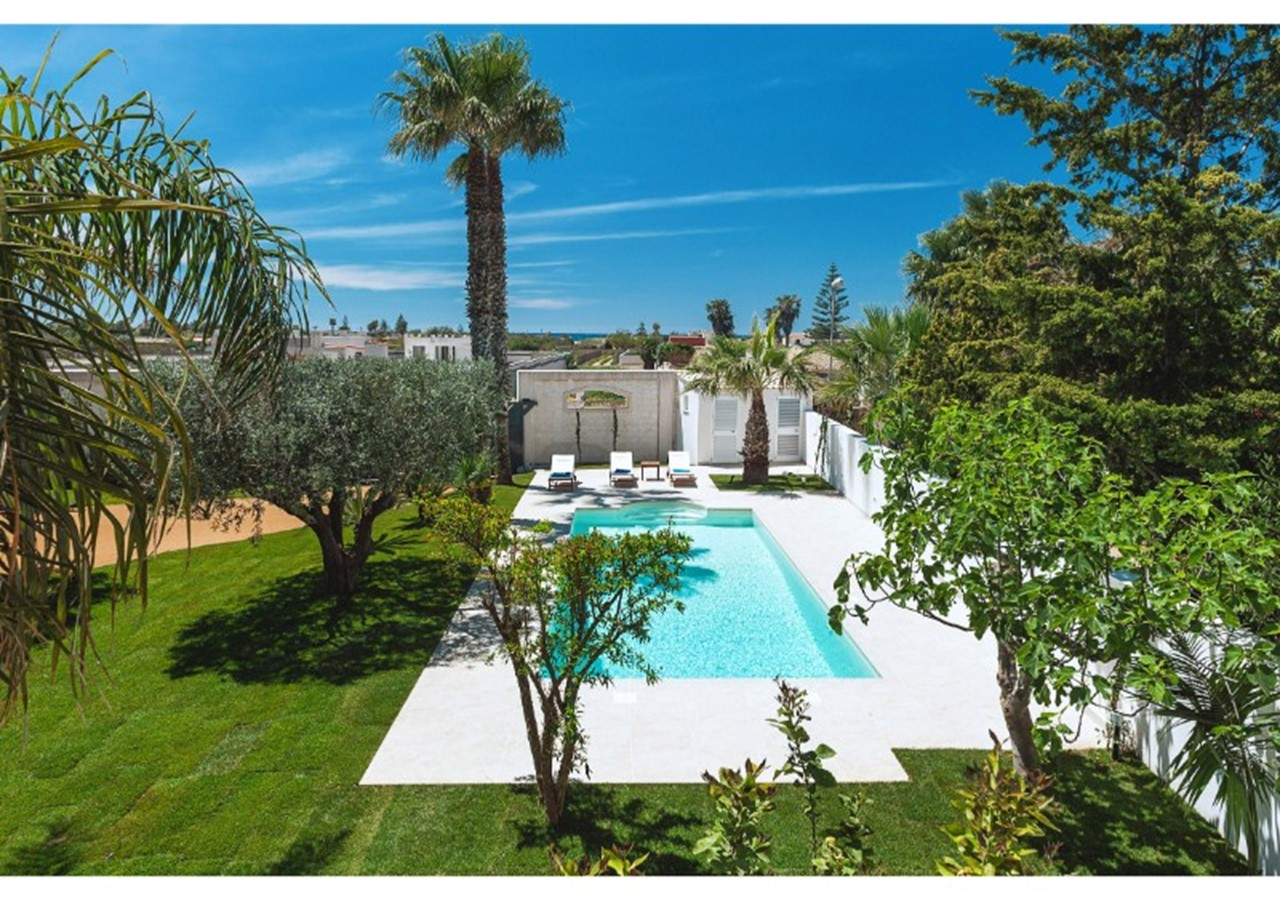 apartment for 6 people with swimming pool & within walking distance of the beach in north west Sicily