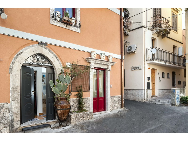 House in central Taormina for 4 people