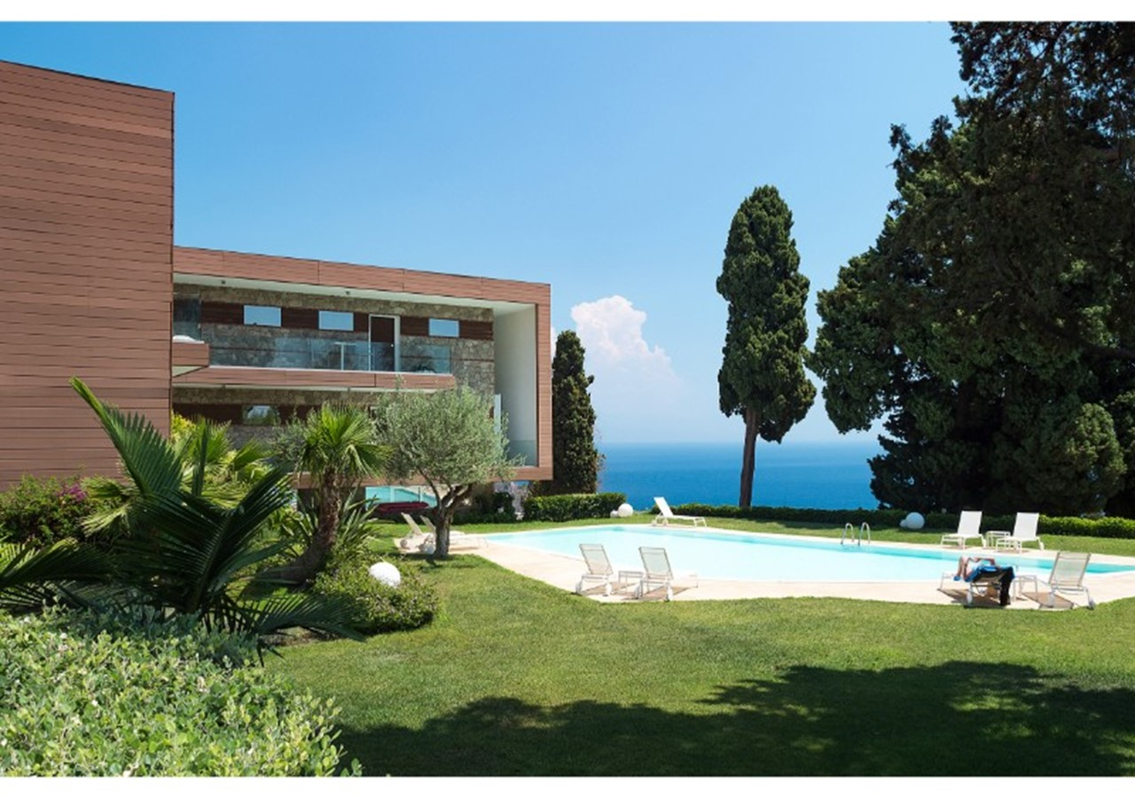 Exclusive apartment in Taormina with shared pool